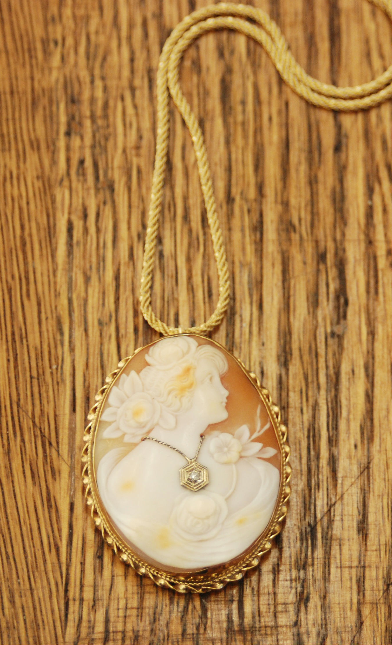 14K Gold Cameo with Diamond